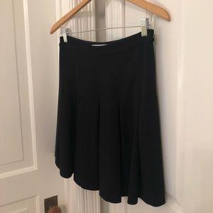 Diane Von Furstenberg Black Pleated Skirt (size 4)